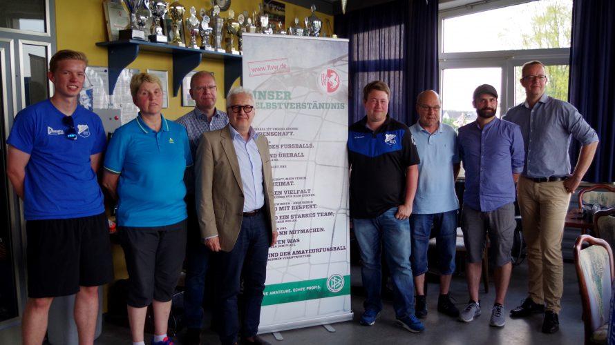 Die Spielvereinigung Oelde hat sich als erster Verein aus dem Kreis Beckum zu einem Vereinsdialog mit dem Fußball- und Leichtathletik-Verband Westfalen (FLVW) getroffen. Dabei sollten die Probleme des Vereins erörtert […]