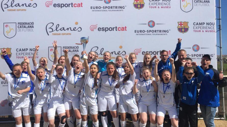 B-Juniorinnen zaubern in Spanien: Ihren einwöchigen Aufenthalt an der Costa Brava krönten die B-Juniorinnen der SpVgg Oelde um Trainer Fabian Franz an Ostern mit einem Turniersieg beim international besetzten Copa […]